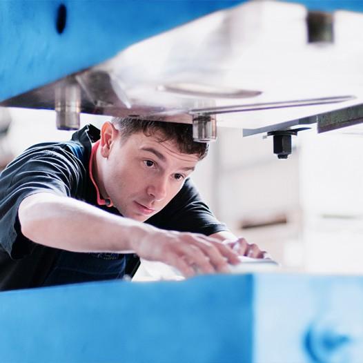 paul-brueser-gmbh-maschine-werkzeug-bauteil-wartung-reparatur-fertigung